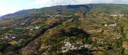 Vista panorámica de La Tahá, en la ladera Sur de Sierra Nevada